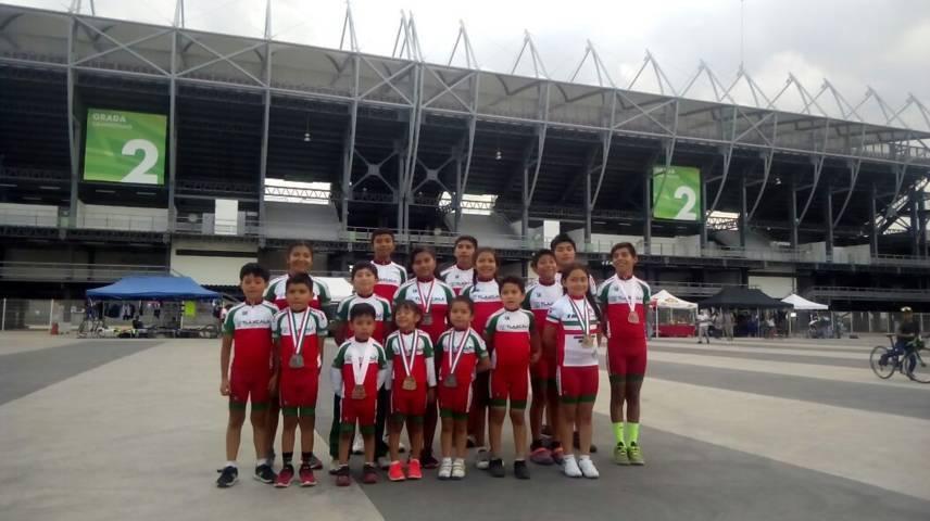 Ciclistas infantiles de Xicohtzinco regresan del Campeonato Nacional con oro y plata