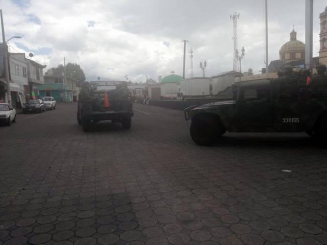 Elementos de la Zona militar y policías municipales realizan operativos de seguridad