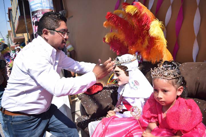 Corona Eymard Grande a reinas de camada en Panotla