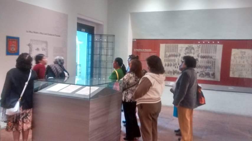 El SMDIF fomenta la sana convivencia en adultos mayores con visita al museo