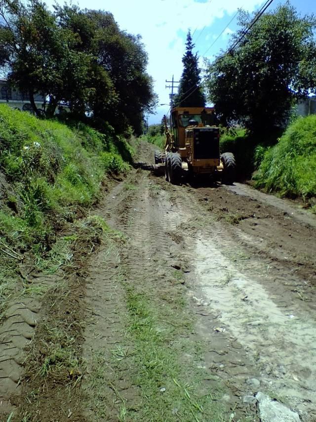 Rehabilita Gobierno de Xicohtzinco, más de 14 kilómetros de caminos y barrancas
