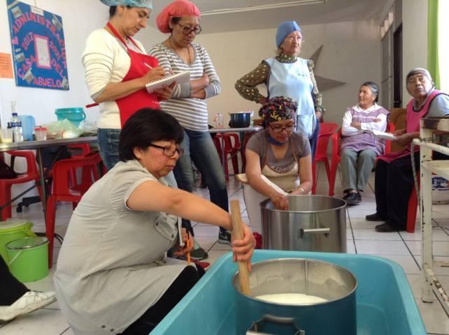 Favorece Xicohtzinco autoempleo mediante talleres
