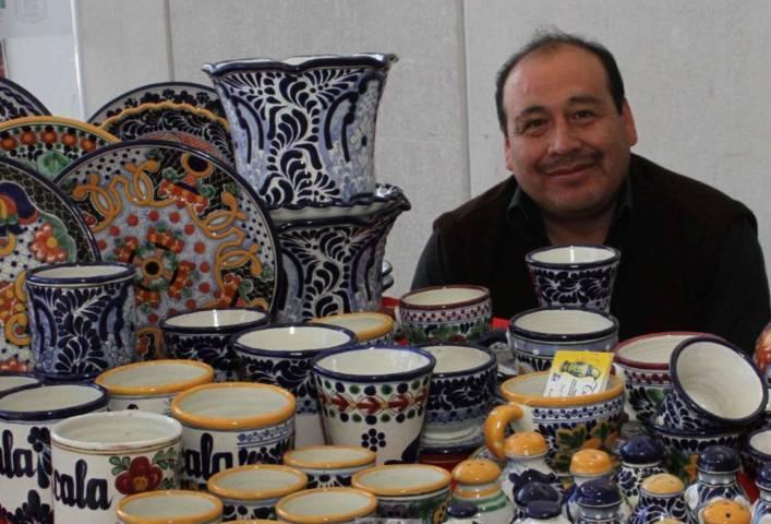 Organizan CAT y SEPUEDE expo venta artesanal y primera feria de microempresarios