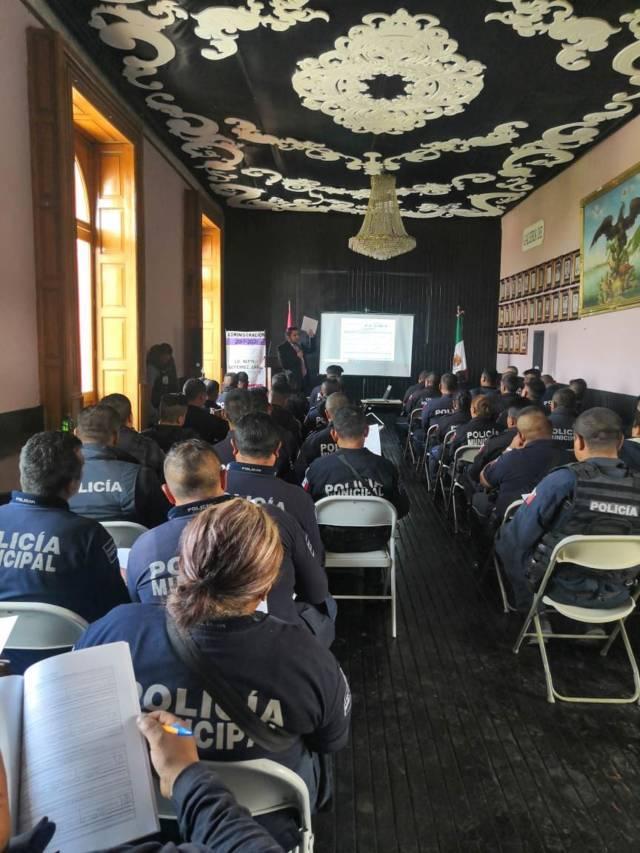 FGR capacita a personal de seguridad en Calpulalpan