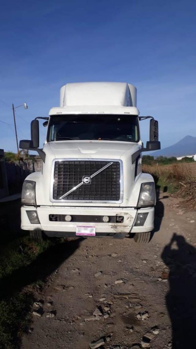 Policía Estatal recupera en Tenancingo tractocamión robado