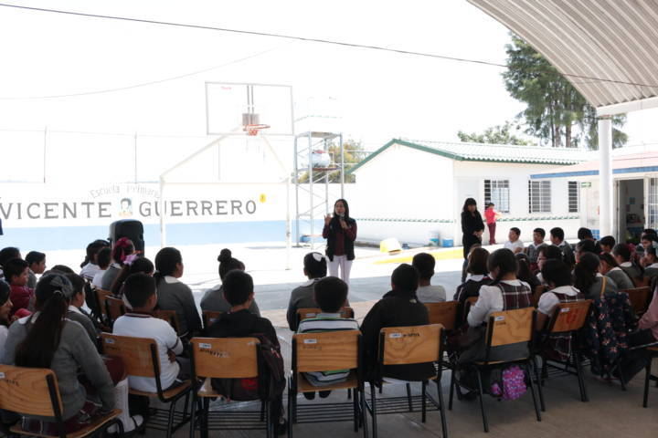 """Imparten pláticas de """"Delitos Cibernéticos"""" en San Pablo Apetatitlán"""