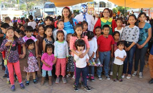 """Festeja Gobierno Municipal de Lardizábal el """"Día del Niño"""""""
