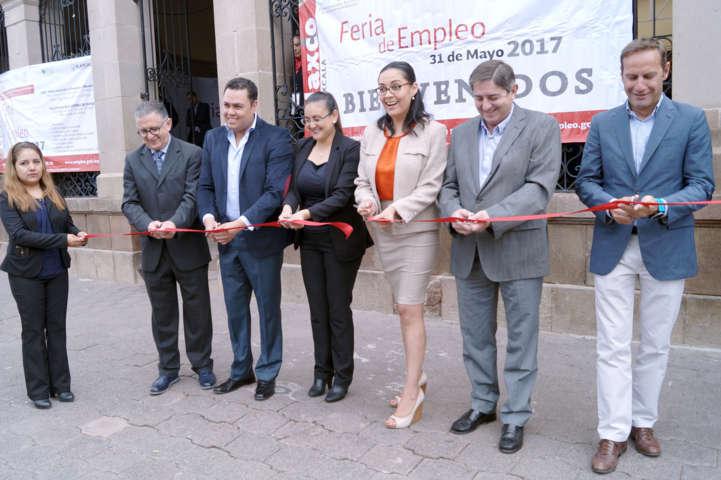 Realiza SEPUEDE Feria de Empleo en Tlaxco