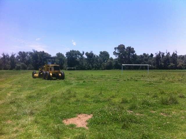 Rehabilita Gobierno de Tepetitla campo de fútbol