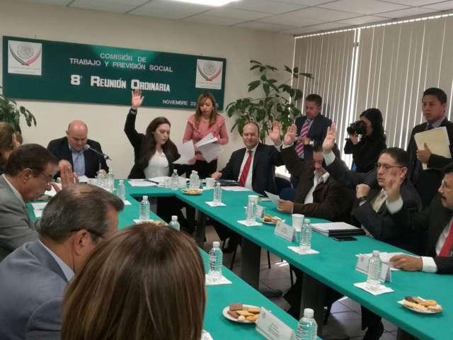 Vota diputado Juan Corral a favor de erradicar el acoso en centros de trabajo