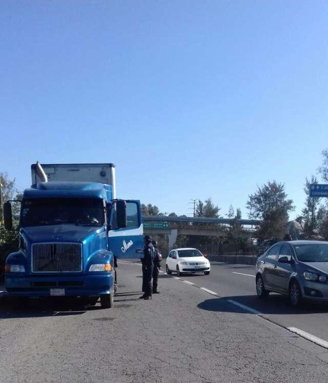 Frustra Policía Estatal Robo de transporte de carga