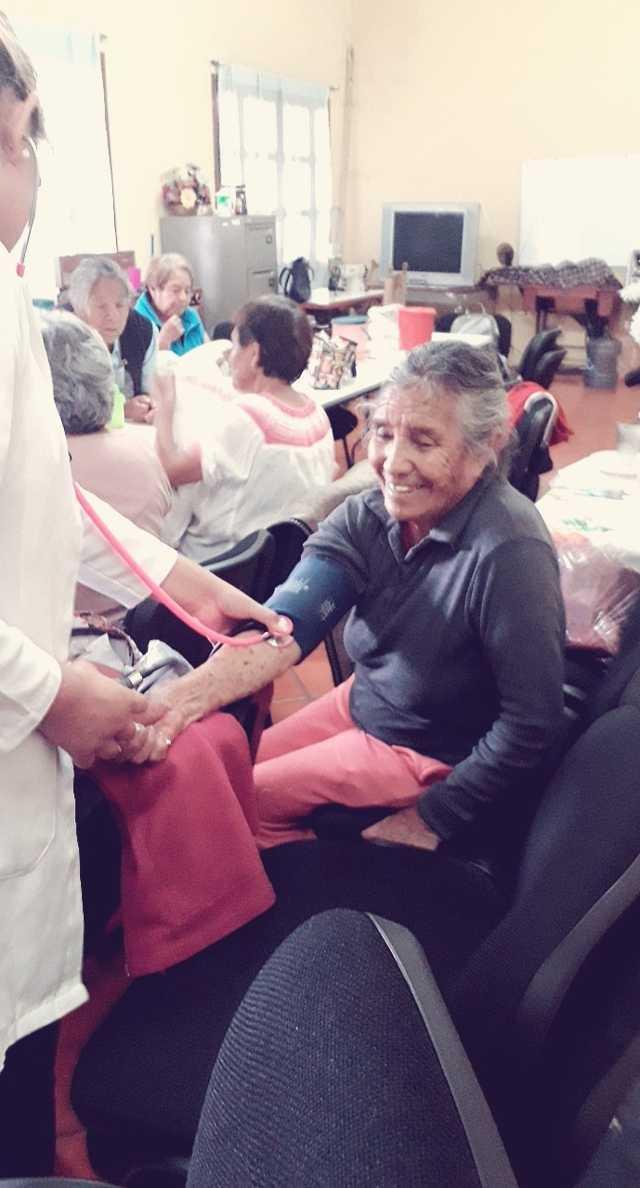 El DIF municipal de SPM contribuye al cuidado de la salud de los adultos mayores