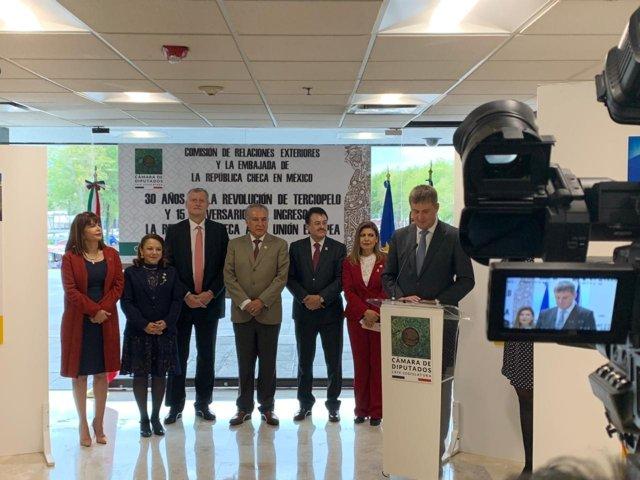 Recibe Claudia Pérez a Ministro de Relaciones Exteriores de la República Checa