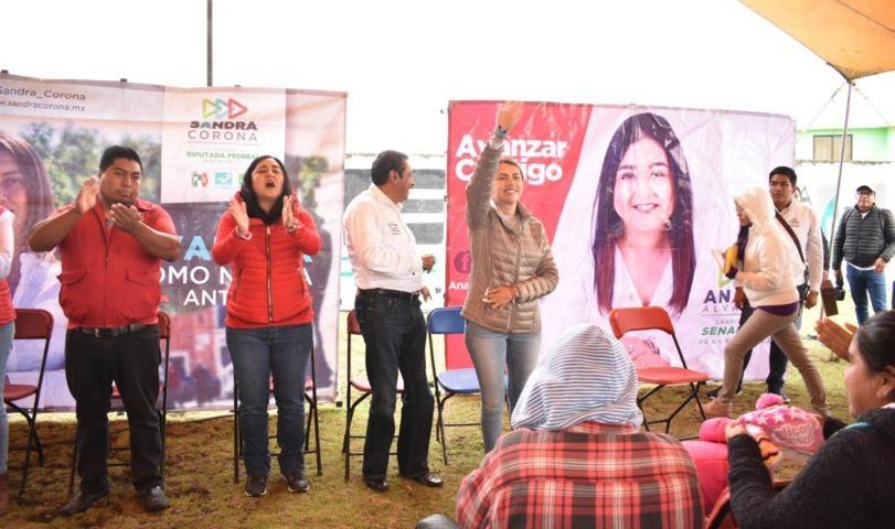 Habitantes del Poniente del Estado refrendan su apoyo a Sandra Corona