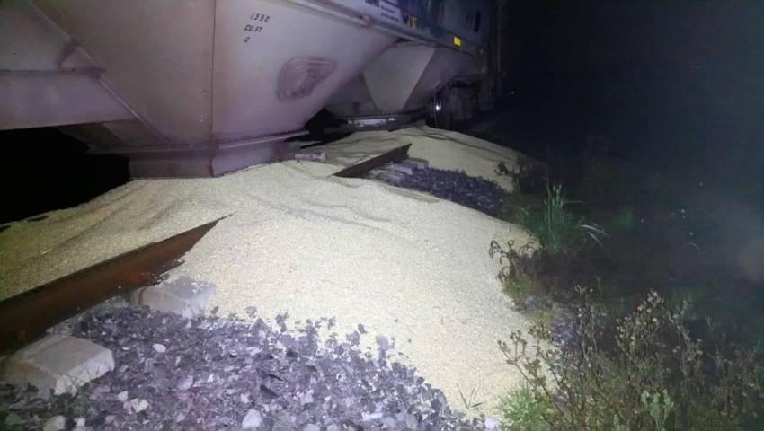 En Huamantla, la CES recupera mercancía que transportaba el tren