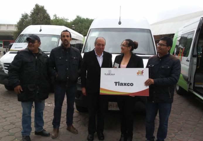 Recibe Tlaxco unidad móvil para personas con capacidades distintas por DIF Estatal