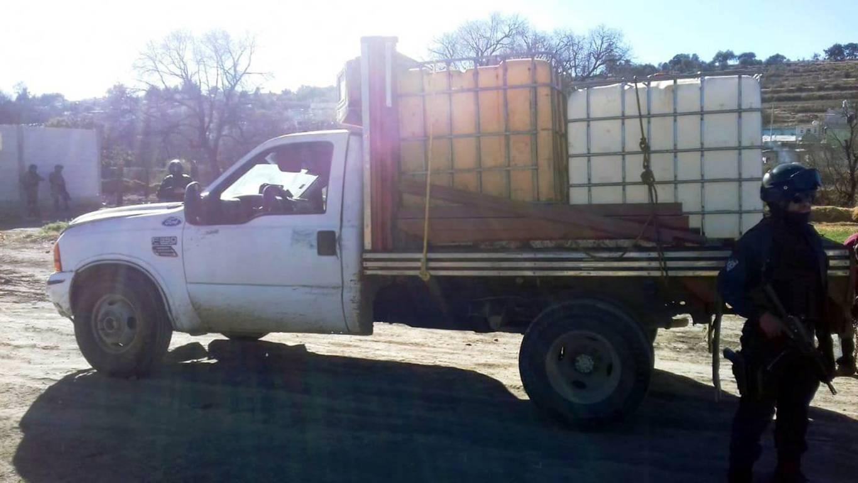 CES y SEDENA aseguran dos vehículos utilizados para trasiego de hidrocarburo ilegal en Ixtacuixtla
