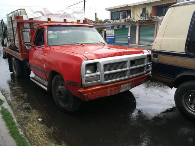 Se aseguraron 12 vehículos de huachicol en Nativitas y Hueyotlipan