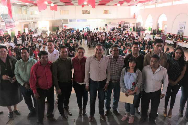 Alcalde impulsa en los jóvenes la 3er Feria de Servicios con 34 instituciones
