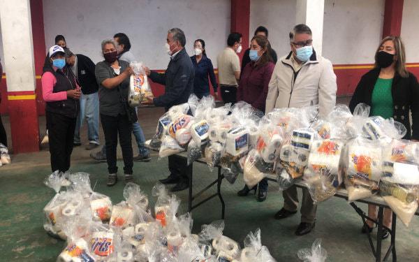 Despensas solo para puros cuates en Tlaltelulco, dicen vecinos