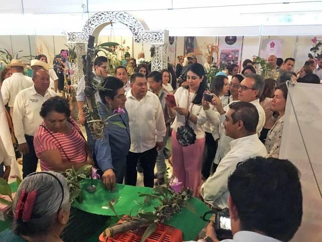 Productores de Apetatitlan acudieron al Festival Internacional de la Orquídea