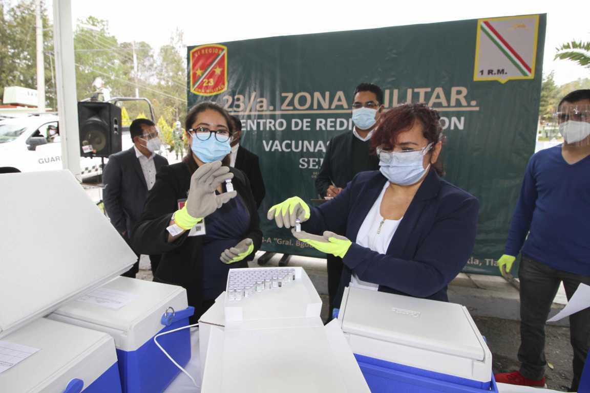 Recibe SESA segunda dotación de vacunas contra Covid-19 para médicos de Tlaxcala