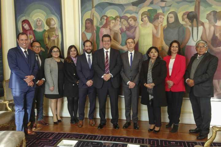 Marco Mena fortalece promoción empresarial, educativa y cultural de Tlaxcala en Francia