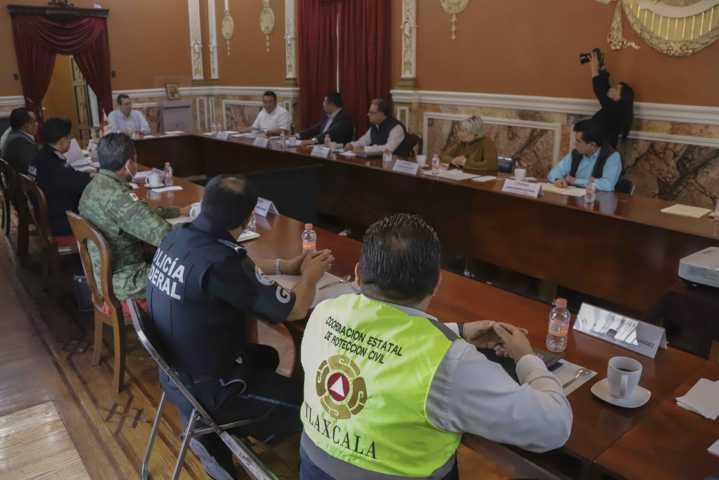 Se intensificarán acciones de distanciamiento social en los 60 municipios: Marco Mena