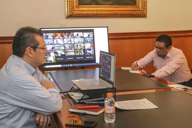 Marco Mena participa en videoconferencia con gabinete federal por Covid-19
