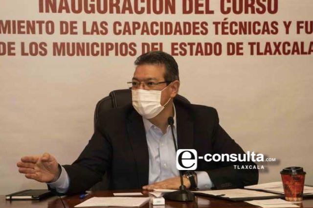 Marco Mena y la ONU inauguran curso para fortalecer capacidades de municipios