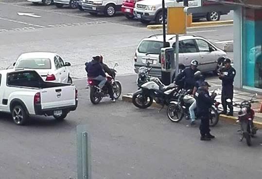 """Acusan a policías de ser """"rateros al inventar operativos"""""""