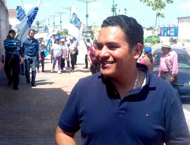 INE amaga a alcalde de Apizaco; al gobernador Mena le teme