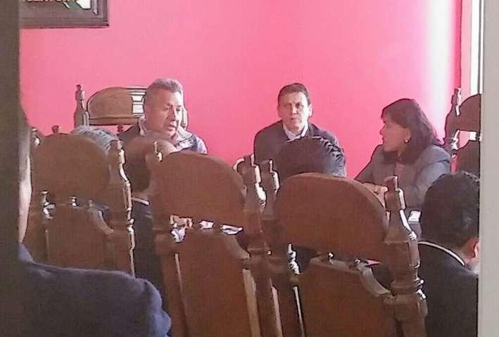 Diputado Alberto Amaro tira linea a Presidentes Municipales