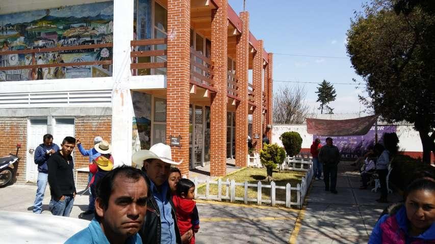Pobladores toman presidencia municipal de Domingo Arenas