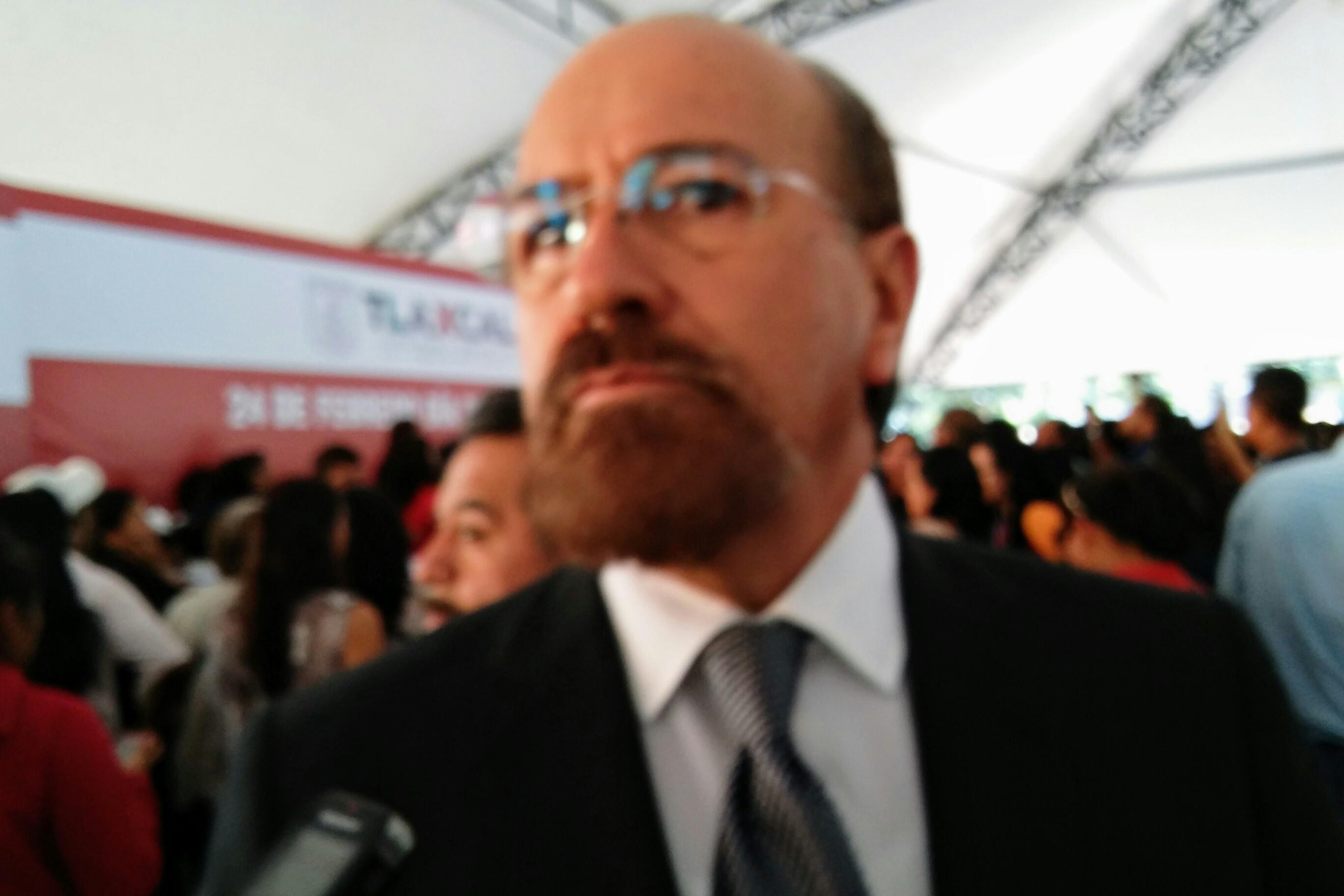 Delegado del INAH se pone bozal y evita hablar con la prensa