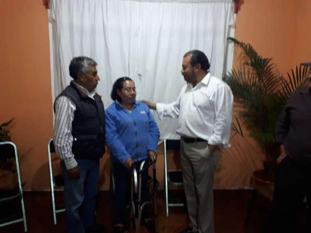 Francisco Román Sánchez líder de la CCCD entrega apoyo
