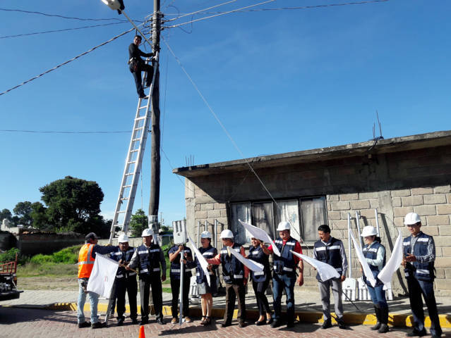 Inauguran primera etapa de cambio de luminarias en Texóloc