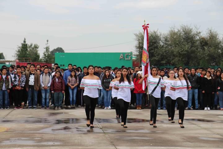 Celebra UPTx el CCVII Aniversario del Inicio de la Independencia de México