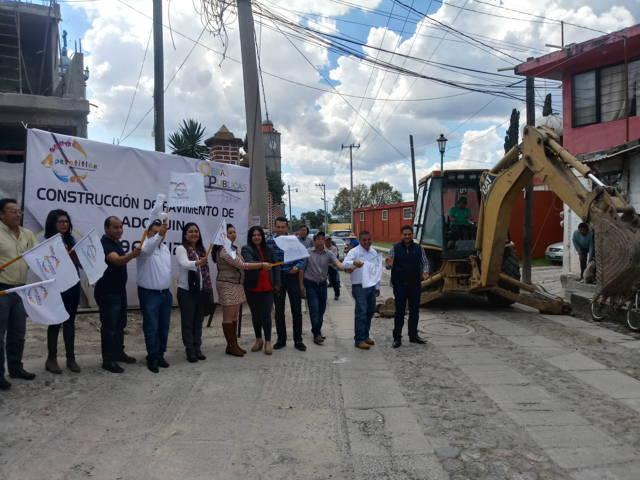 Casi un millón de pesos para calle en Tlatempan: Eloy Reyes
