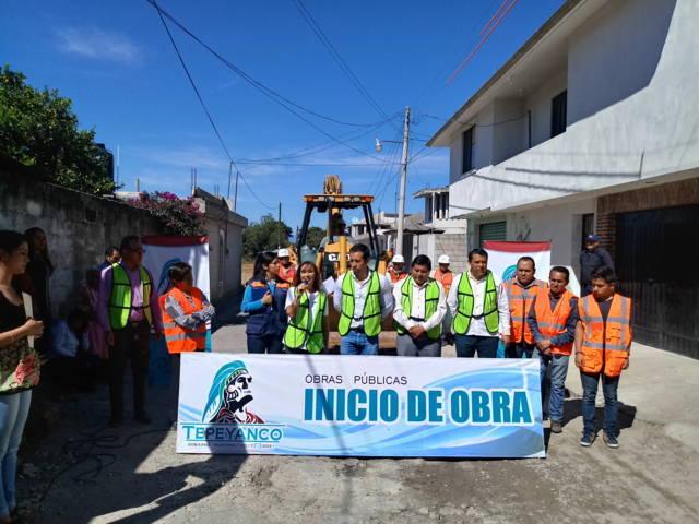 Lorena Cuéllar inicia obra pública gestionada en Tepeyanco