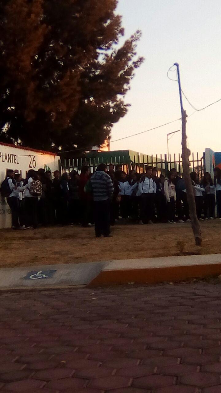 Piden alumnos destitución de director en Tlachco por acosador