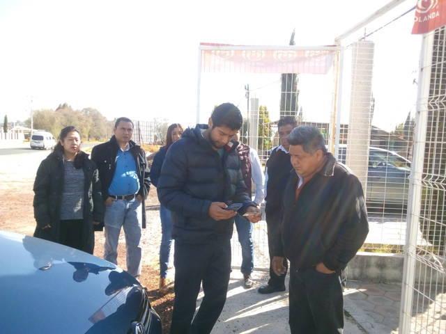 Aspirante independiente a diputado local recaba firmas de ciudadanos