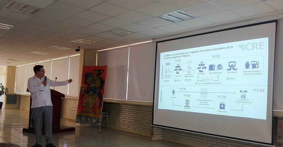 Dictó Lorenzo Meyer Falcón conferencia magistral en UPTx