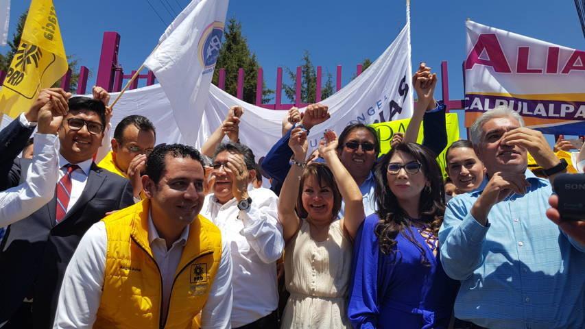 Se compromete Humberto Macías a entregar soluciones para abatir el rezago en el distrito I