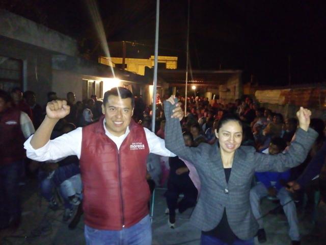 Cientos de personas reciben a Rubén Terán en San Isidro Buensuceso
