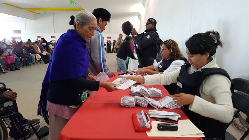 Realizan Feria de Servicios para Adultos Mayores en Terrenate