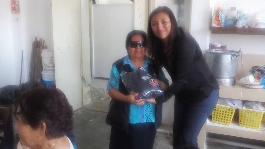El DIF municipal entrega 71 pants a grupos de adultos mayores