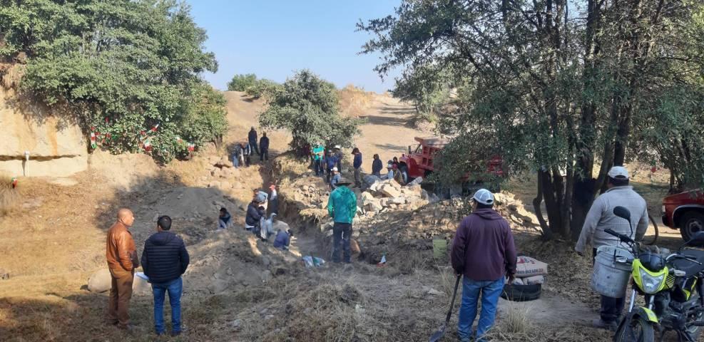 Inician construcción de puente rural en Tepetzila comunidad del cristo, SPM