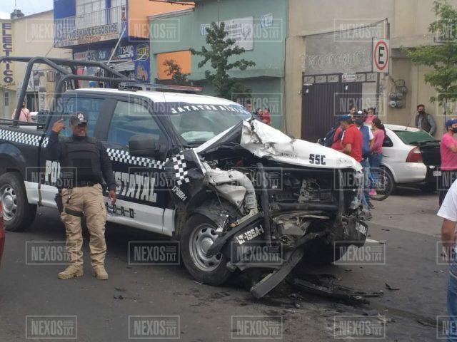 Choque entre patrulla y camioneta deja cuatro personas lesionadas en Calpulalpan