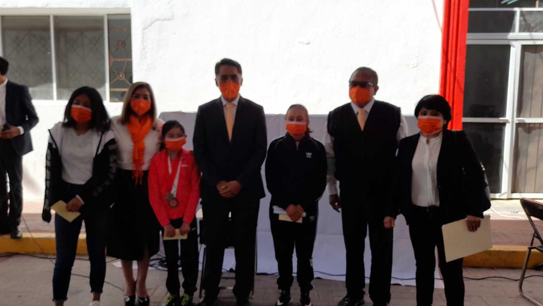 Gisela Muñoz Gutiérrez recibe el premio municipal del deporte en Papalotla